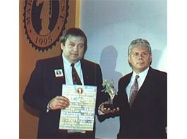 Recebendo o Marketing Best em 1985
